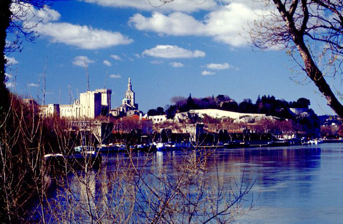 Urlaubsziel Avignon im Süden von Frankreich